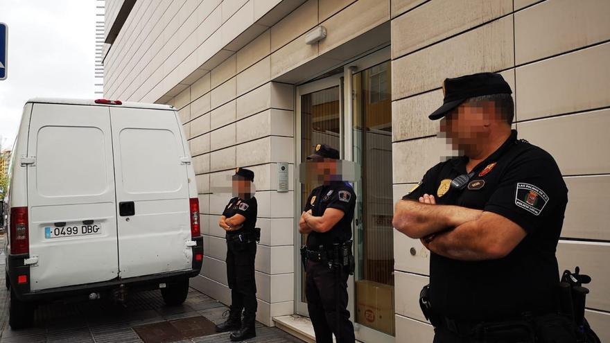 La polic a local interviene historiales cl nicos en - Trabaja con nosotros gran canaria ...