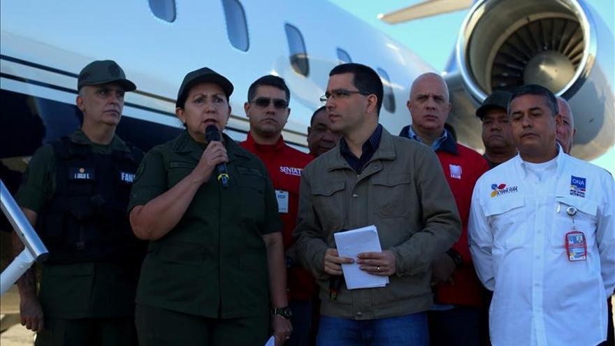 El Gobierno venezolano prohíbe el despegue a aeronaves privadas en 7 aeropuertos