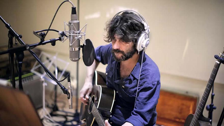 Quique González regresa en 2016 con un nuevo disco de estudio.