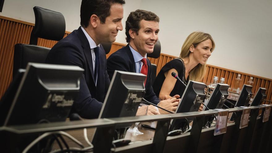 Teodoro García Egea, Pablo Casado y Cayetana Álvarez de Toledo, esta semana, en el Congreso.