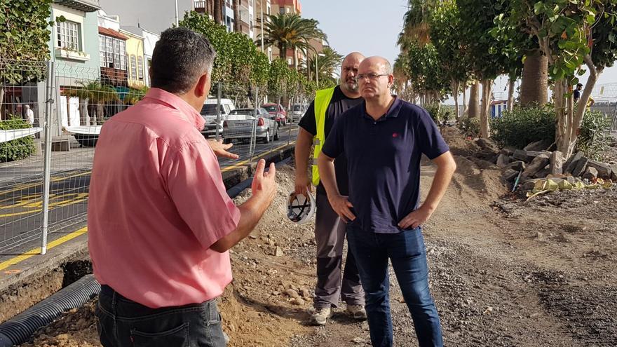 Anselmo Pestana, en el tramo donde se ejecutan las obras de remodelación de la Avenida Marítima de Santa Cruz de La Palma.