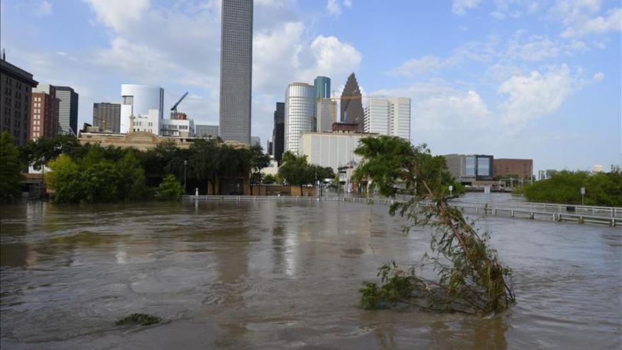 Ascienden al menos a diez los muertos por tormentas en el sur de Estados Unidos