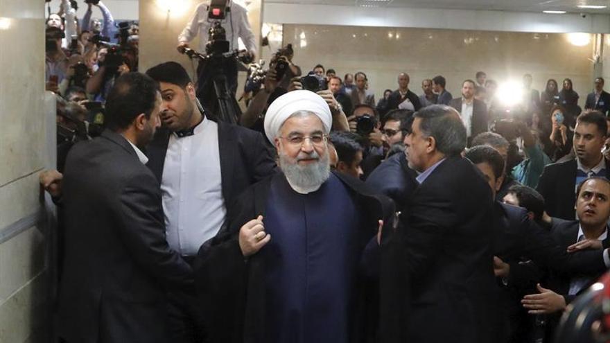 Rohaní advierte a los iraníes contra el regreso al poder de los conservadores
