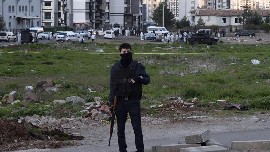 Tres soldados y cinco guerrilleros mueren en enfrentamientos en Turquía