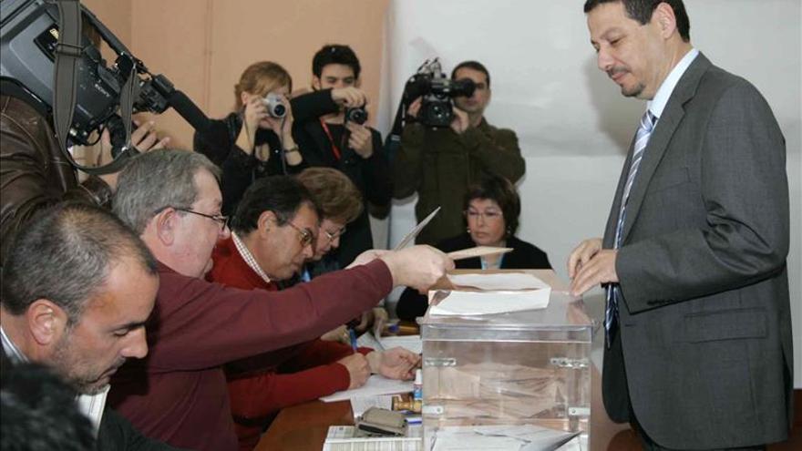 Piden 231 años de cárcel para 30 miembros de PSOE y CPM por compra de votos en 2008
