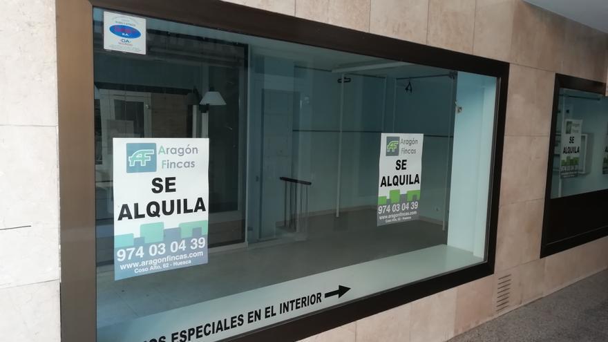 Locales comerciales cerrados en el Coso Alto de Huesca