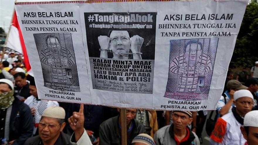 Un tribunal indonesio procesa formalmente al gobernador de Yakarta por blasfemia