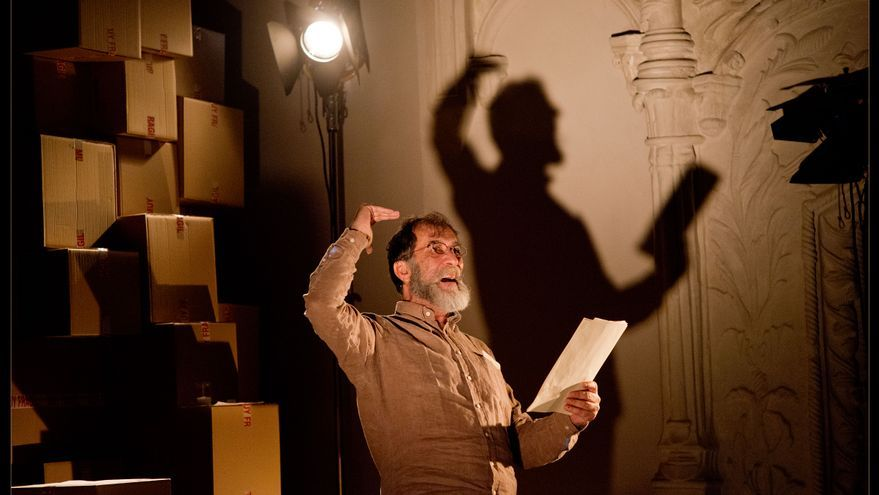 El actor Ramón Barea, durante una actuación de 'Confesiones' / Foto: Javier Naval.