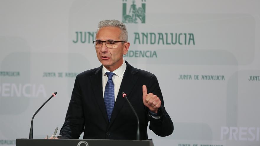 """Vázquez acusa a Moreno de lanzar """"un mensaje envenenado contra Cospedal"""" al pedir a Susana Díaz que renuncie a la Junta"""