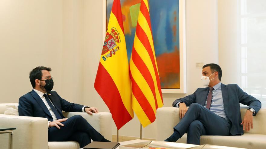 El Gobierno y la Generalitat acuerdan reunir la mesa de diálogo la tercera semana de septiembre