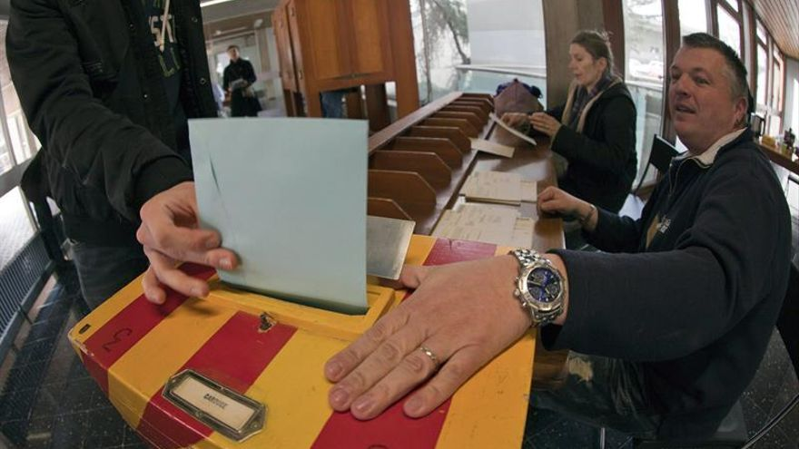Los suizos rechazan por amplia mayoría establecer una renta básica mensual