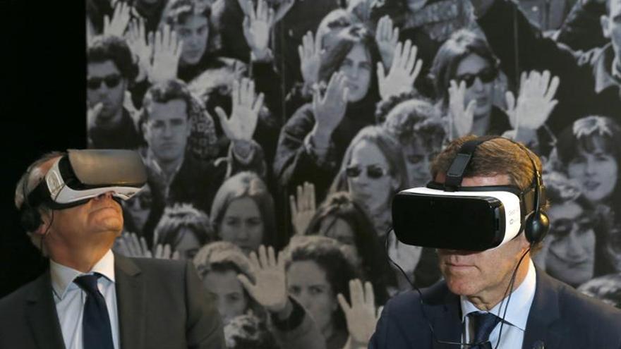 La exposición El País en Ruta celebra en Galicia los 40 años del diario