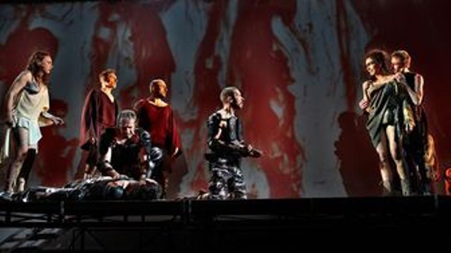 El estreno regional de la última producción teatral de La Fura dels Baus, Degust