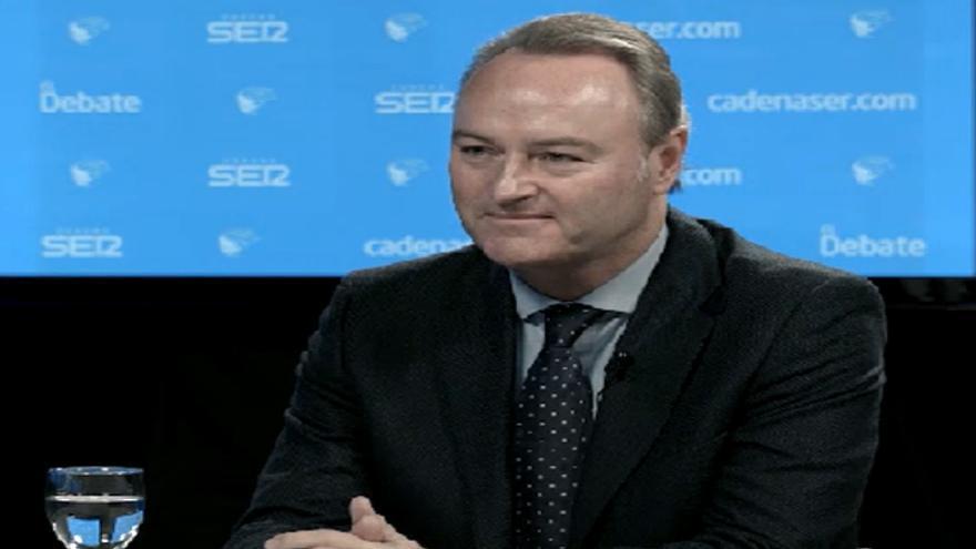El president de la Generalitat, Alberto Fabra, durante la entrevista en la Cadena Ser