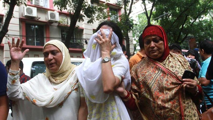 Jornada de duelo en Bangladesh tras el asalto yihadista con 28 muertos