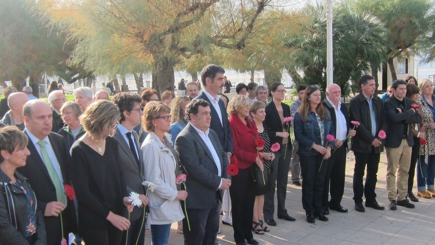 PNV, PSE, PP e Irabazi de San Sebastián asisten al Día de la Memoria convocado por el alcalde, con presencia de Carmena