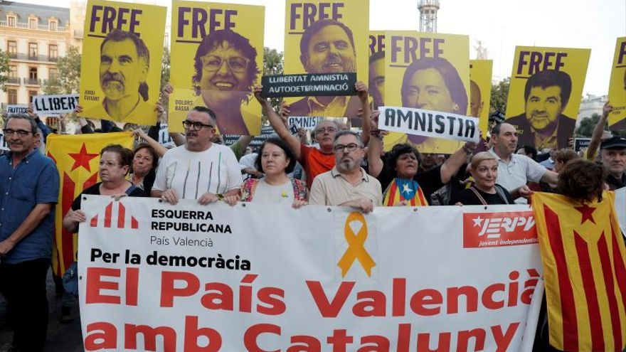 Entidades independentistas se oponen en València a la sentencia del 'procés'