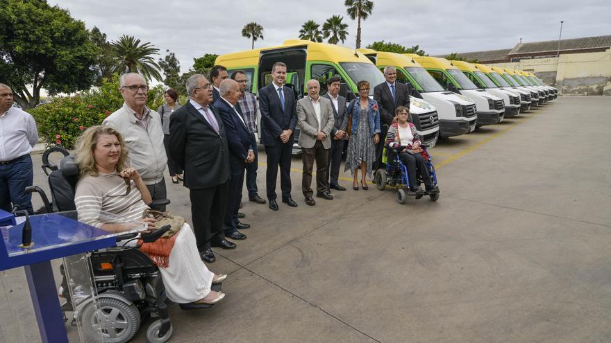 Vehículos adquiridos por el Cabildo de Gran Canaria para el transporte de personas con movilidad reducida