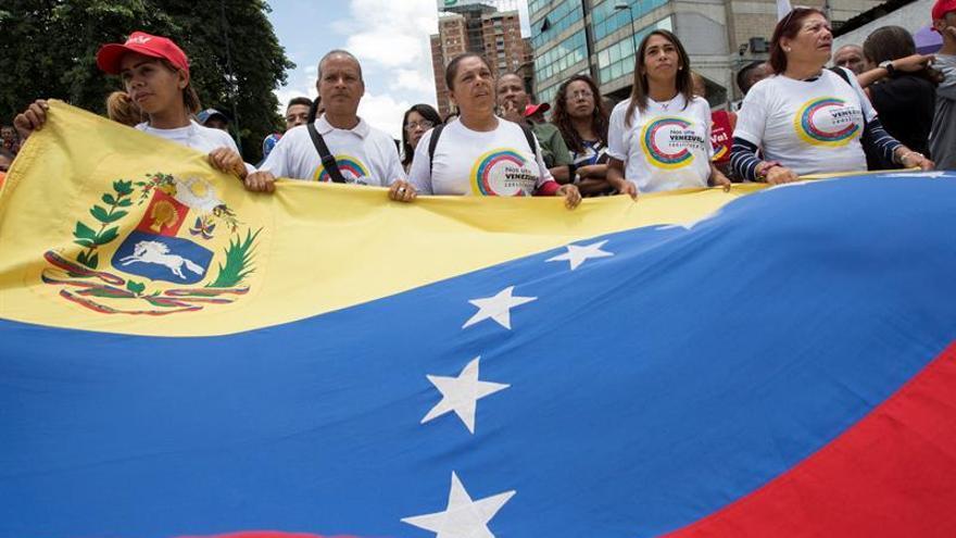 Simpatizantes del Gobierno participan en una concentración a favor de la constituyente, en Caracas.