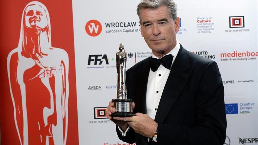 Brosnan apoya que Craig interprete a James Bond pasados los 50