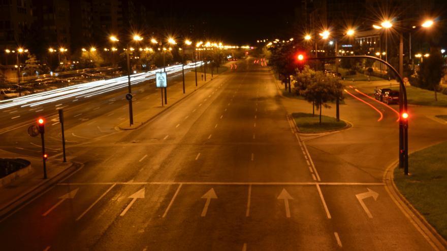 La avenida del Cid, una de las más sobreiluminadas de Valencia