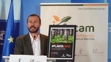 El consejero de Desarrollo Sostenible presenta la nueva campaña contra incendios