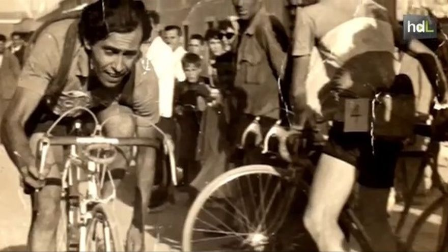 José Fausto de joven en una carrera ciclista