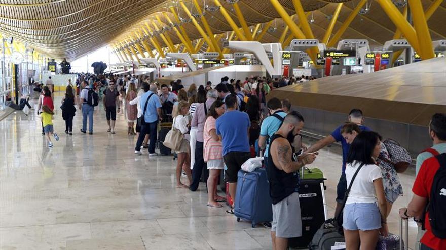 Los aeropuertos españoles registraron un 6,5 por ciento más de pasajeros en octubre
