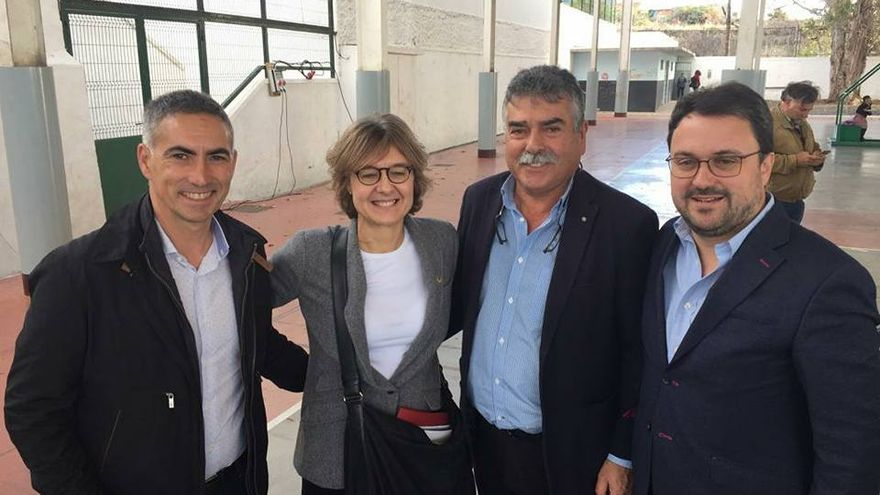 De Izquierda a derecha, Antonio Luis Pérez, gerente de Aspa; Isabel García Tejerina, Ministra de Agricultura;  Miguel Martín, presidente de Aspa; y Asier Antona, presidente del PP en Canarias.