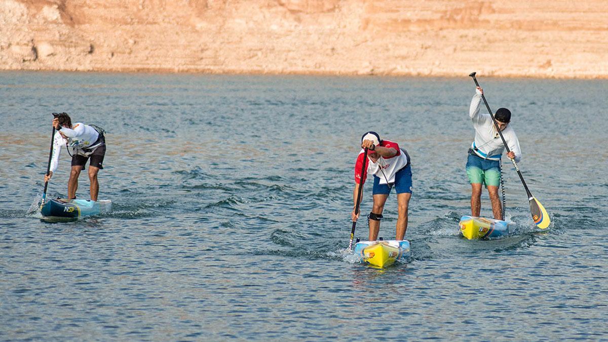 Deportista en plena prueba de 'Paddle Surf'.