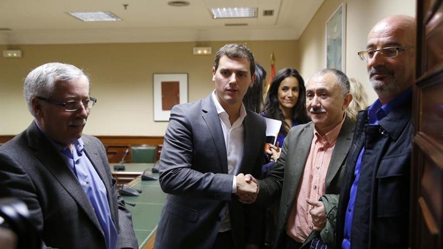 Rivera lamenta boicot a González y critica las visiones sectarias de algunos