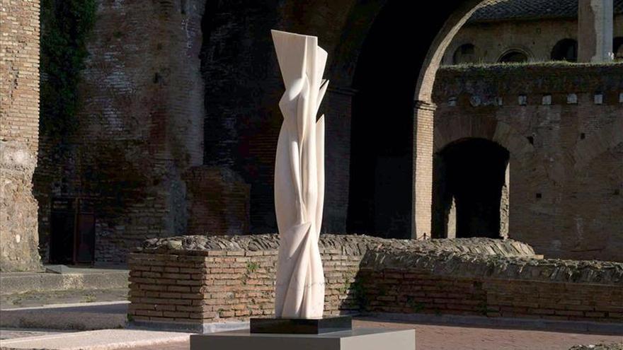 """Roma expone los """"eternos mármoles"""" del artista uruguayo Pablo Atchugarry"""