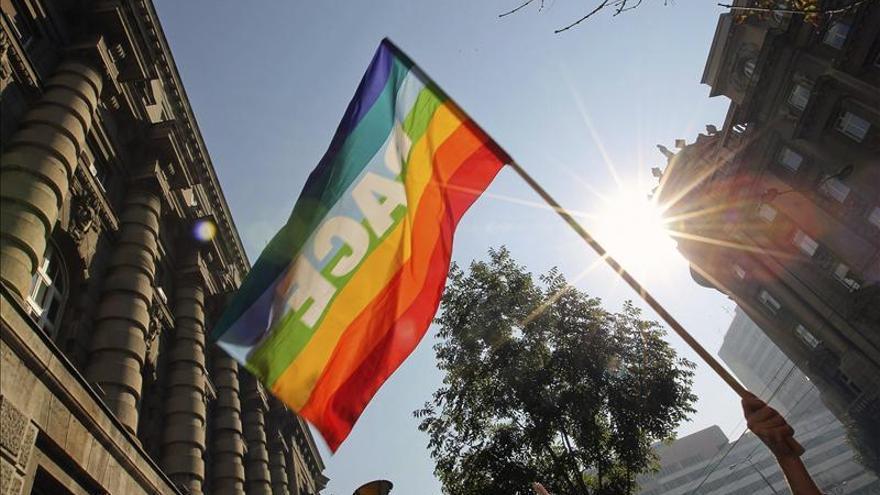 Dos hombres contraen por primera vez un matrimonio homosexual en Francia