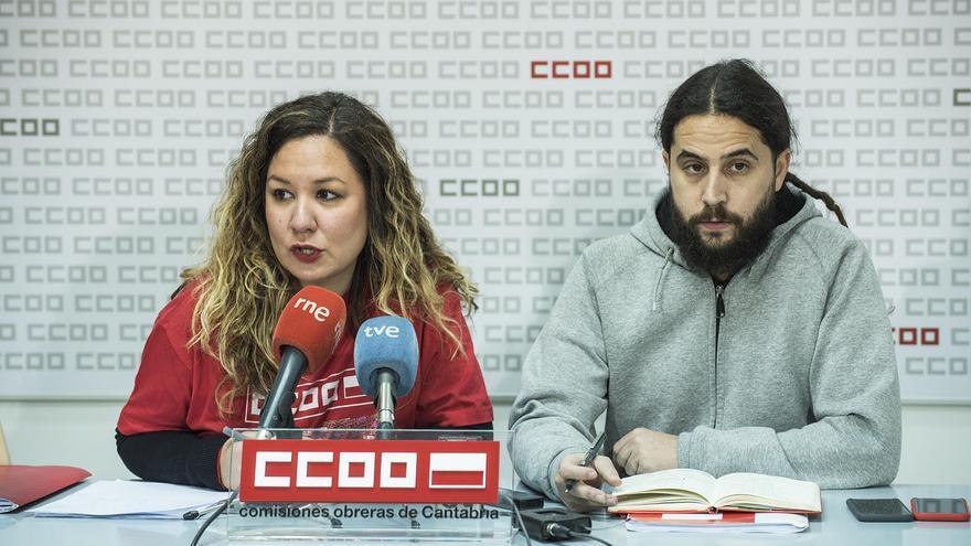 Conchi Sánchez (CCOO Cantabria) y José María Ruiz en rueda de prensa.