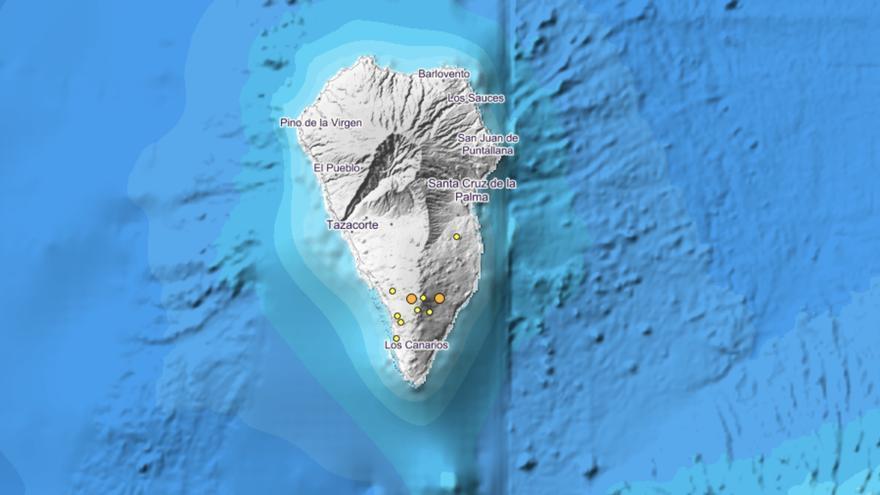 En la imagen del IGN, puntos donde se ha registrado el enjambre de terremotos en las últimas 24 horas. Se localiza en la dorsal sur de Cumbre Vieja.