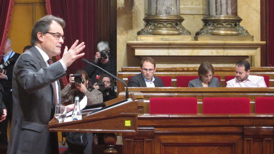 ERC pide a Artur Mas grandes consensos mientras PSC y PP le ven obcecado con el soberanismo