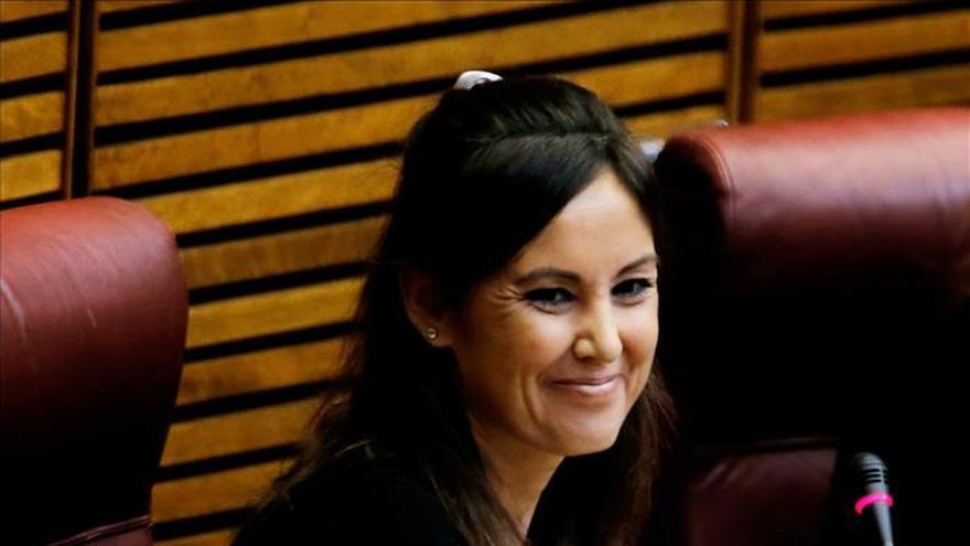 """Elisa Díaz (PP) dice que se paga su vivienda y que es """"una persona normal"""""""