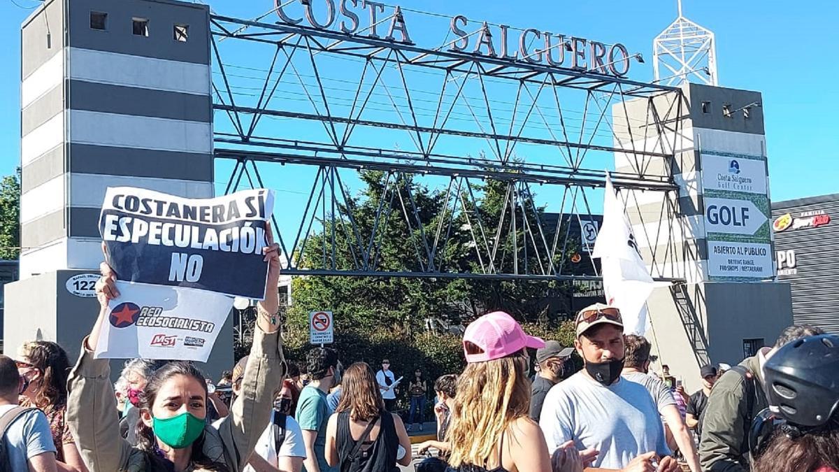 Vecinos y ambientalistas se movilizan para frenar la rezonificación de Costa Salguero.
