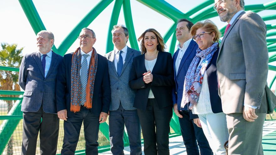"""Sevilla y el Aljarafe sur """"recuperan"""" su conexión peatonal y ciclista gracias a la pasarela de la SE-30"""