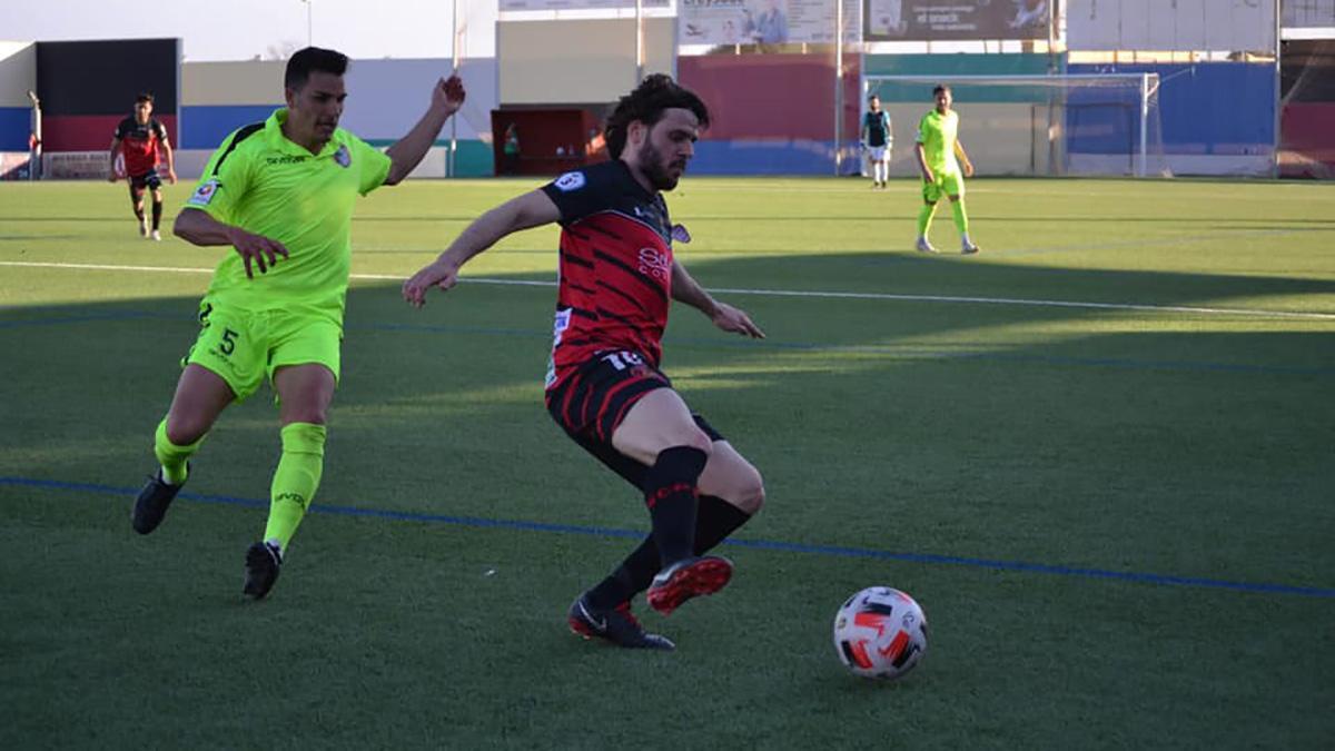 Migue García durante un partido con el Salerm Puente Genil