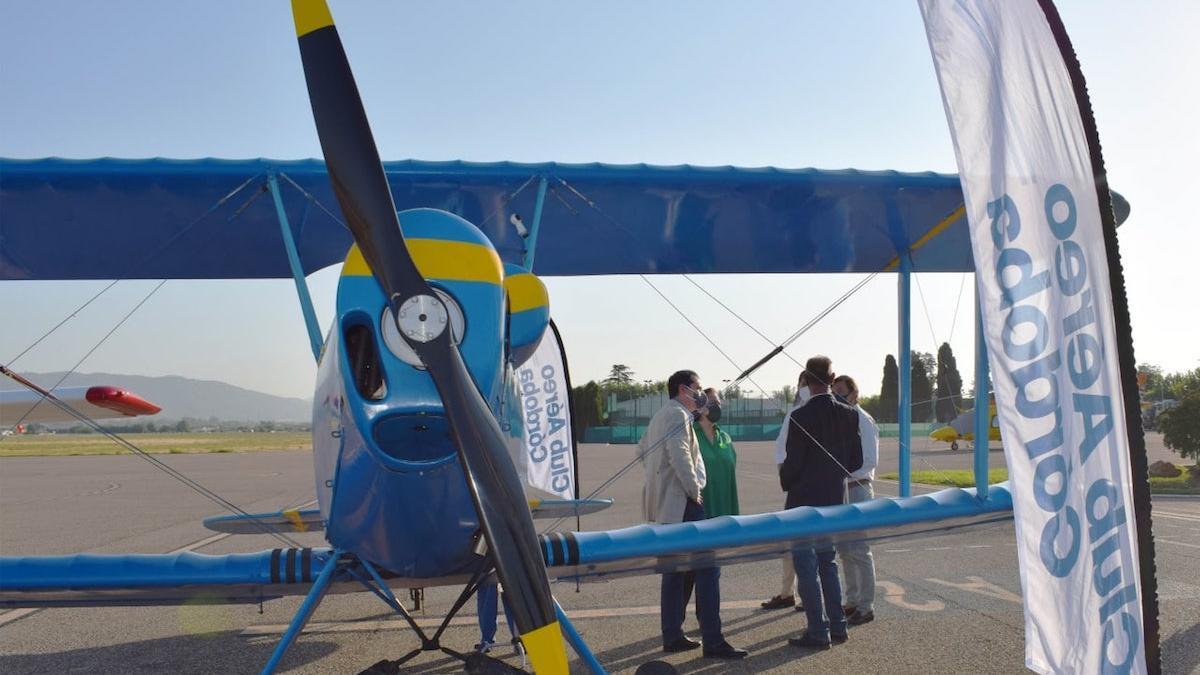 El biplano con el que se realiza la actividad 'Volar en Córdoba'