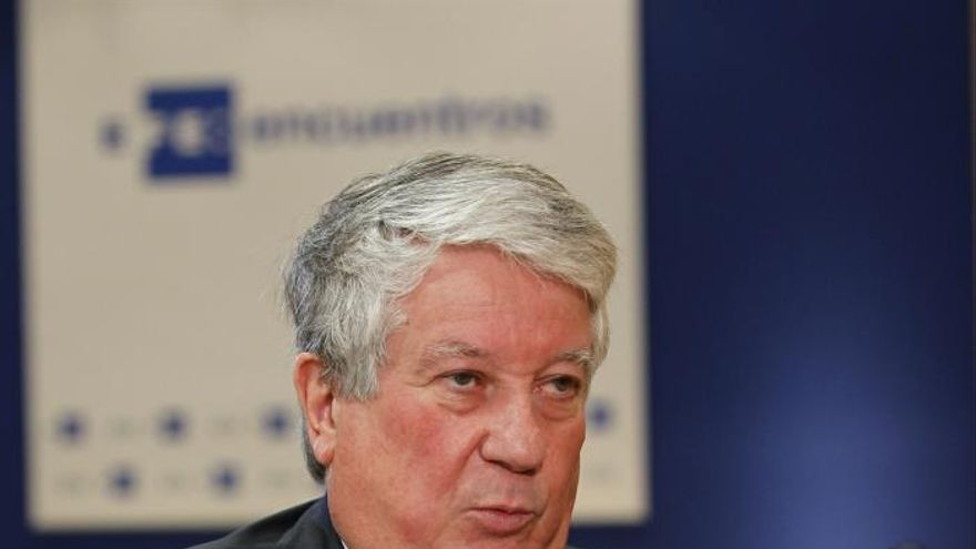 """La CEOE confía en que Báñez """"aflojará un poco"""" el alza de las cotizaciones"""