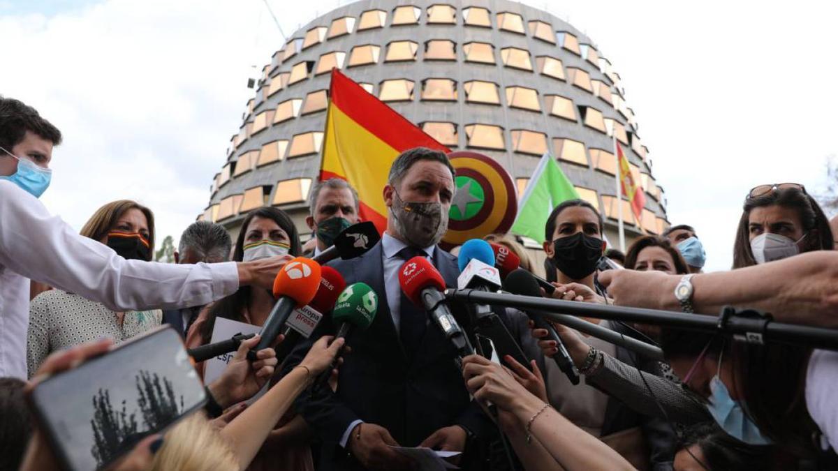 Santiago Abascal en la presentación de un recurso de Vox ante el Constitucional