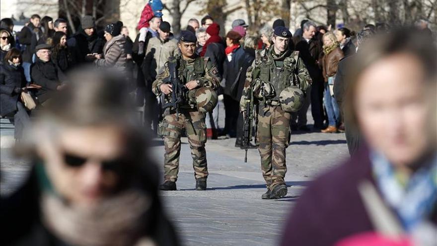 La Policía solo ha encontrado una pistola en el piso asaltado en Saint Denis, en París