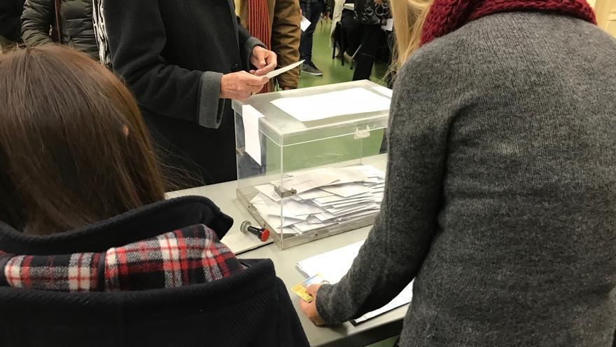 El Congreso empieza a buscar mañana alternativas al voto rogado para los electores residentes en el extranjero
