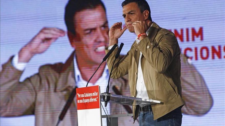 Sánchez pregunta a Rajoy si está con Merkel o con la ultraderecha de Le Pen ante los refugiados