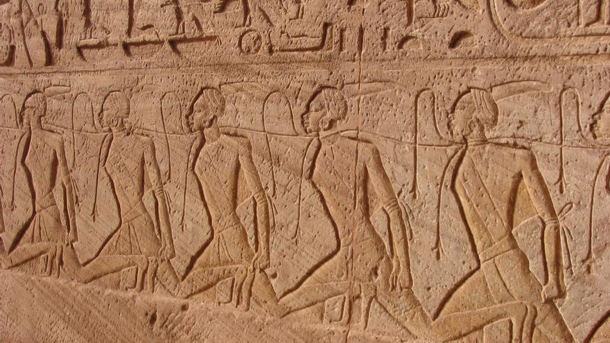 El famoso friso de los esclavos en Abu Simbel, todo un mensaje a los nubios. Ankur P (CC)