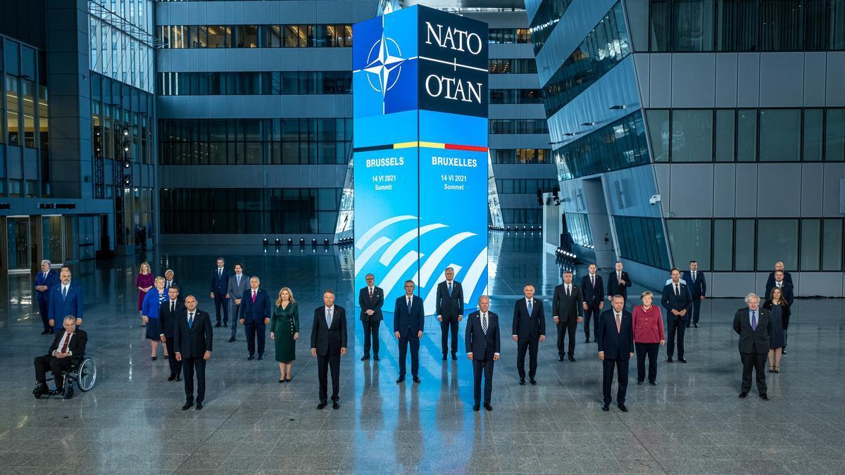 Foto de familia de la OTAN este lunes en Bruselas.