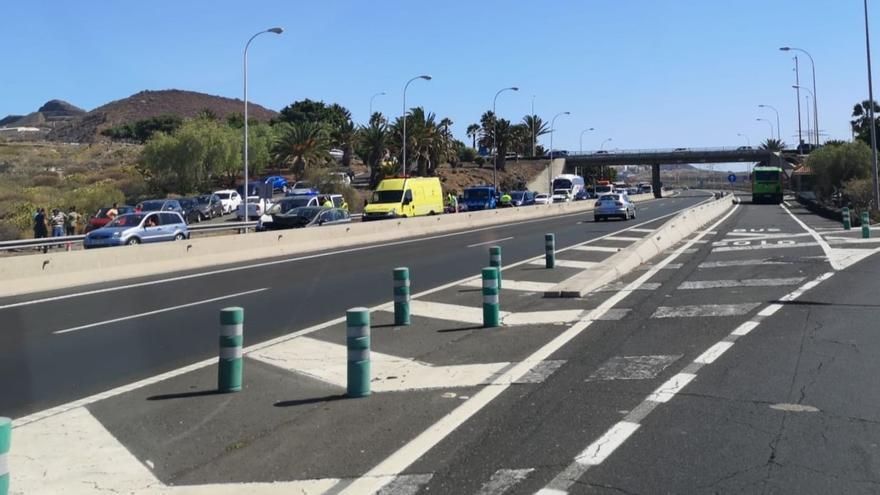 Accidente de tráfico en la TF-1, a la altura del Aeropuerto Reina Sofía