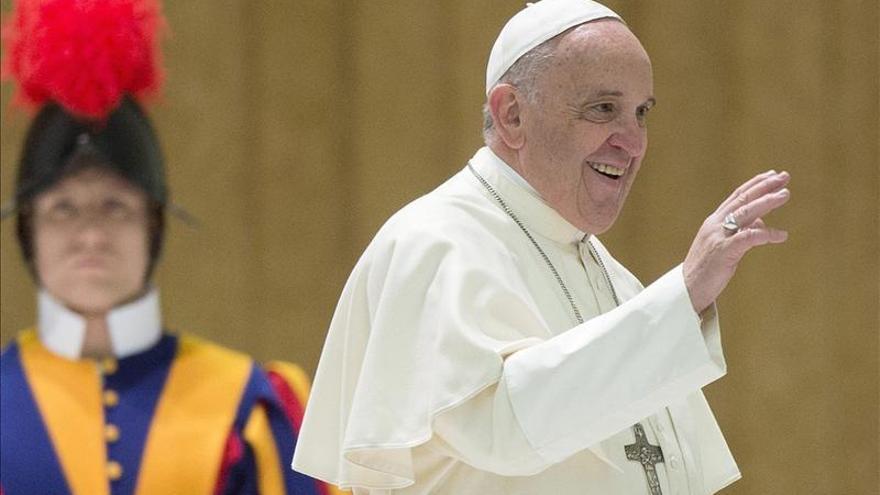 El papa pide compromiso a gobiernos para lograr integración de enfermos de autismo
